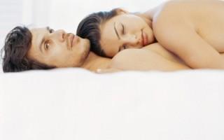 Почему у мужчины во время полового акта падает член — причины и лечение
