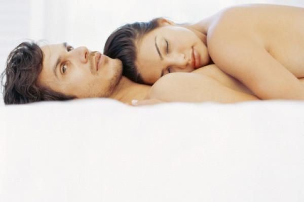 Почему у мужчины во время полового акта падает эрекция?